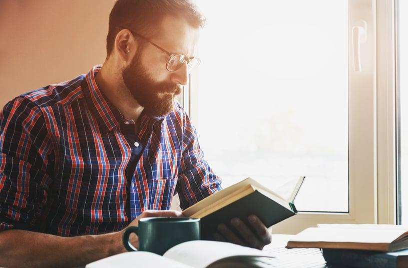 lenti a contatto o occhiali per la miopia - occhiali per lo studio