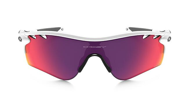 occhiali da sole con lenti colorate oakley