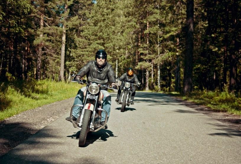 occhiali motociclista