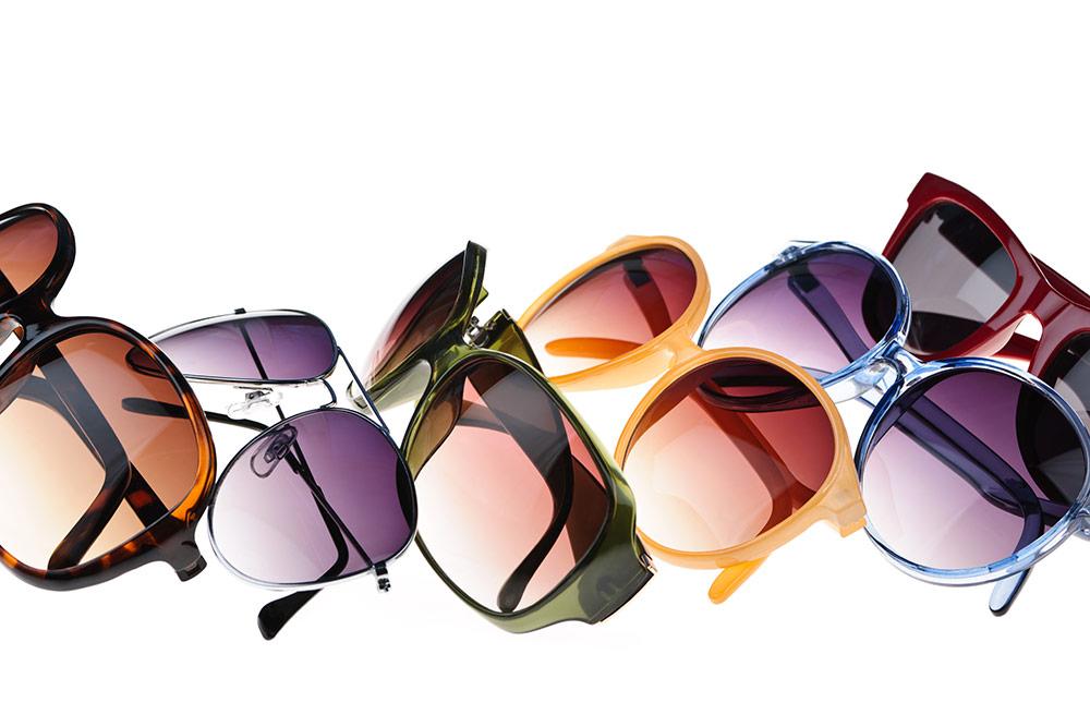 Occhiali da sole con lenti colorate, i trend del momento