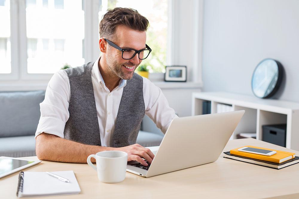 Occhiali da ufficio: presbiopia e lenti degressive