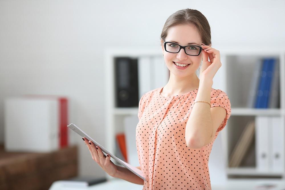 Scegliere gli occhiali per la miopia elevata o lieve