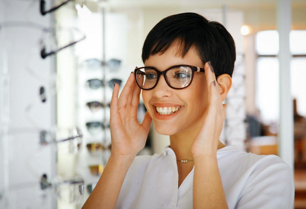 Quali sono i migliori occhiali per astigmatici?