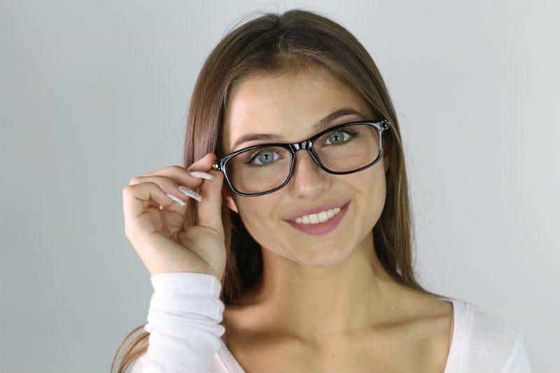 Quali sono le principali cause dell'astigmatismo?